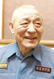 インタビューに応える永井団長