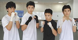 高野さん(右から2人目)と芥川さん(同3人目)