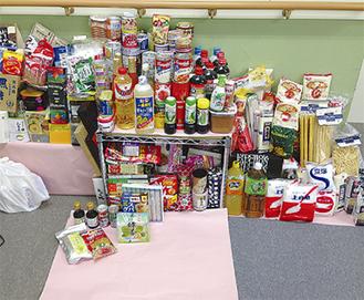 寄付された食料品