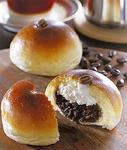 区内の食べどころ、エスプランの珈琲あんぱんは、パングランプリ受賞の逸品
