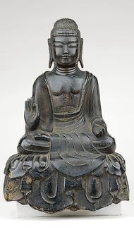 銅造如来坐像(横浜市教育委員会提供)