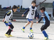 サッカー通じ青少年育成