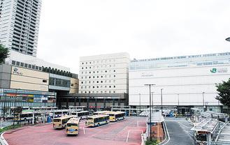 2011年に再開発が終了した鶴見駅東口