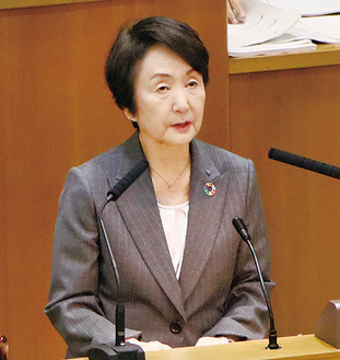 市会でIR誘致の必要性を語る林市長(9月3日)