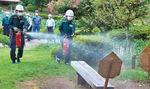 水消火器を使う職員