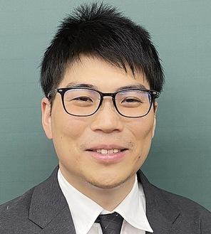 渡邉教室長。麻布中・高を経て、一橋大学を卒業した俊英だ。