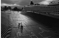 港と客船の調和を