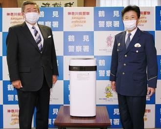 鈴木雅己警察署長(右)と安管の山谷朋彦会長