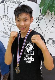 敢闘賞を受賞した岩谷選手
