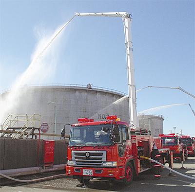 臨海部で消防訓練