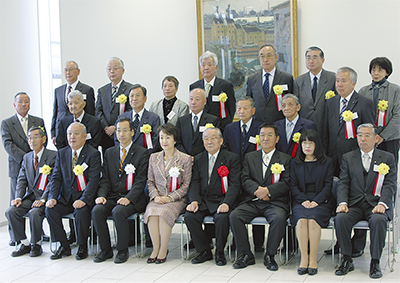 永年在職会長18人が表彰