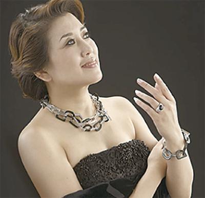 アジアの歌姫、鶴見に