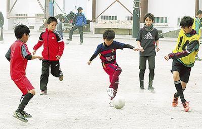 サッカーで青少年育成