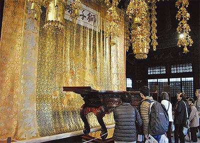 總持寺の名宝に感嘆