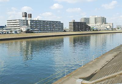 鶴見川を船で周遊