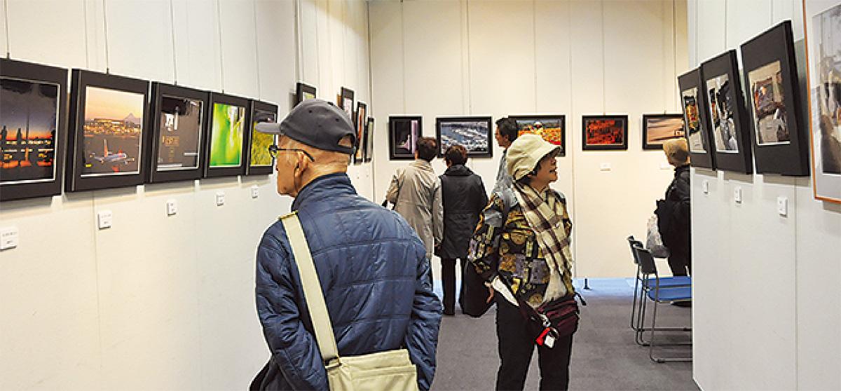 区内写真家の作品展
