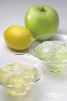 夏の贈答にもぴったりな新商品「水のゼリー」(檸檬味と林檎味)