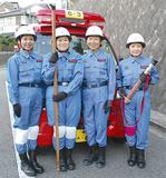 第6分団代表として参加する女性団員たち