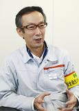 インタビューに答える小沢工場長