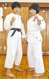 姉・七海さん(左)と妹・真実さん