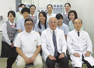 眼科の担当医ら