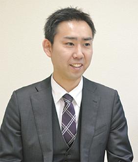 代表司法書士の山崎氏