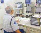 利用者のメールが届く監視室