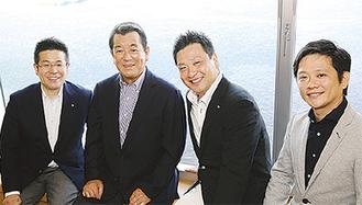 出演する加山さん(左から2人目)と開港祭関係者ら