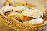 SIX SQUARE BAKERYのクルミとレーズンミルクパン