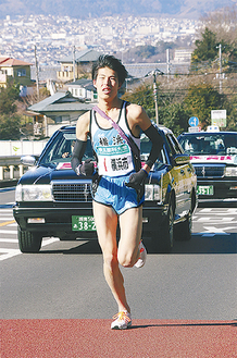 区間3位の走りを見せた越川選手