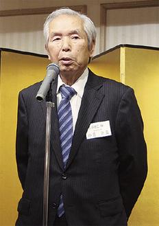抱負を語る小菅会長