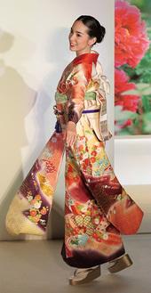 絹の美しさを発信