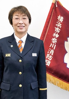 制服に身を包む有田さん