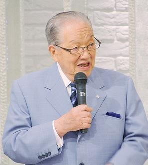 講演する藤木氏