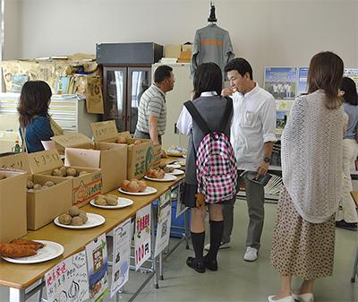 文化祭で津別町と交流
