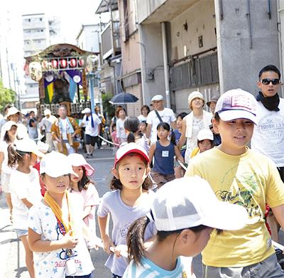 浦島町町内会 山車引きで伝統継承 太郎像が地域見守る   神奈川区 ...