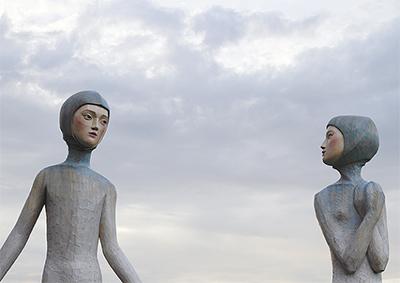 彫刻家4人が展覧会