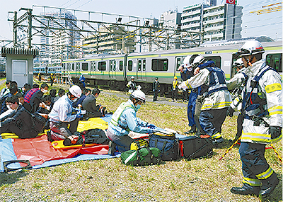 鉄道テロ想定し訓練