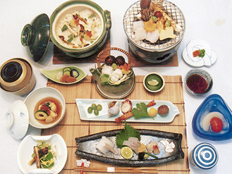 「松茸コース」(8,800円・1万2,000円)