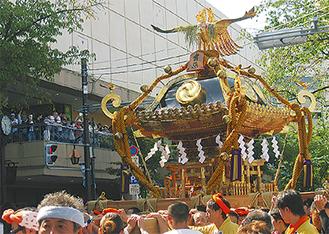 有馬神明神社の勇壮な神輿