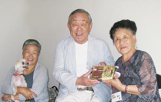 「毎年お会いできて嬉しい」と佐藤会長(中央)
