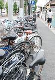 歩道に設置された駐輪スペース