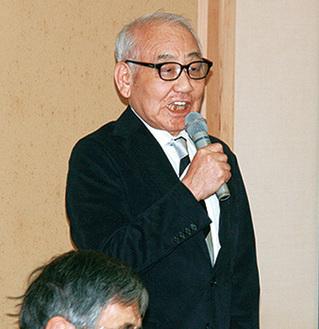 挨拶する保存会の柴原裕会長
