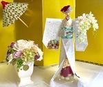 和紙と花をあしらった作品