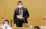 コロナ禍では、議員入場も半数にしながらマスク着用にて質疑