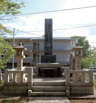 神明社の戦没者慰霊碑