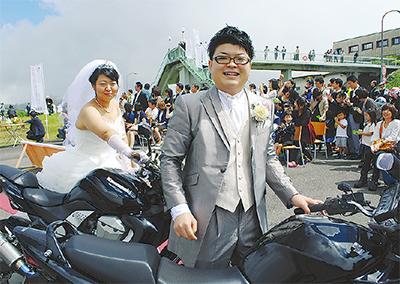 聖地で結婚セレモニー