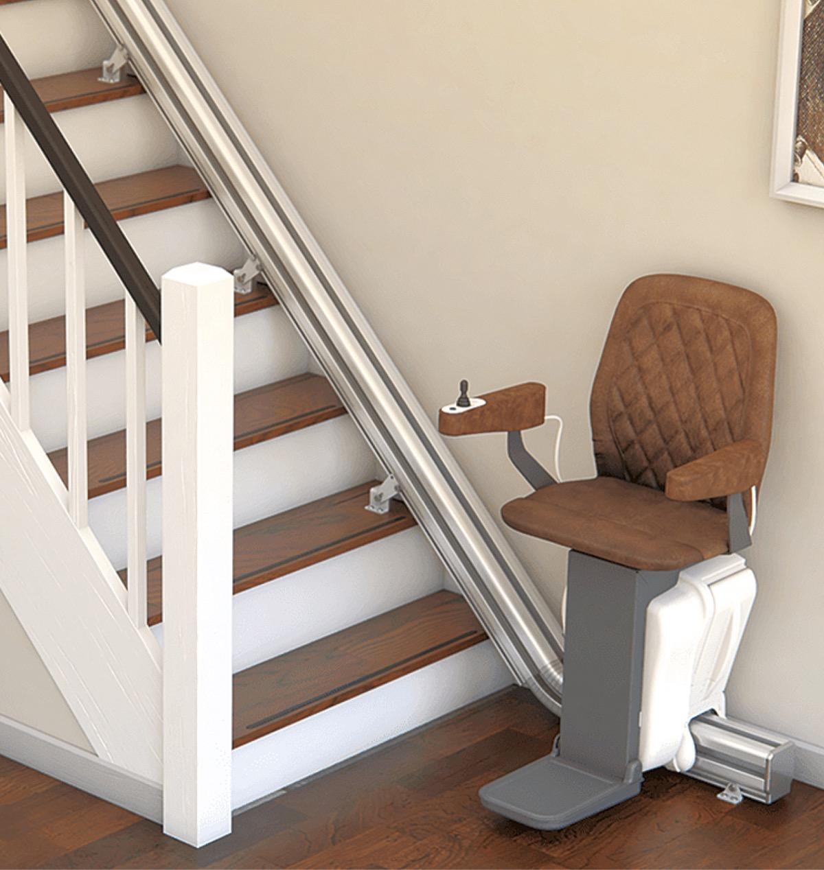 一般家庭用階段リフト 待望のレンタルスタート! 記念セールで半額に ...