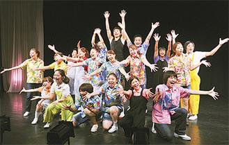 学生による舞台が場内を感動で包む(写真は過去の公演より)