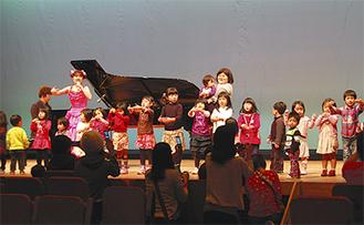 桜井純恵さんのコンサートで盛り上がる会場